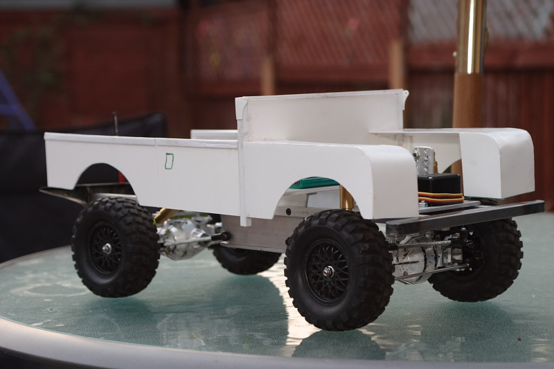 Body and rolling chassis